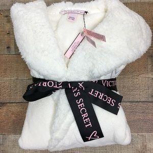 NWT Victoria's Secret White Hooded Robe M/L